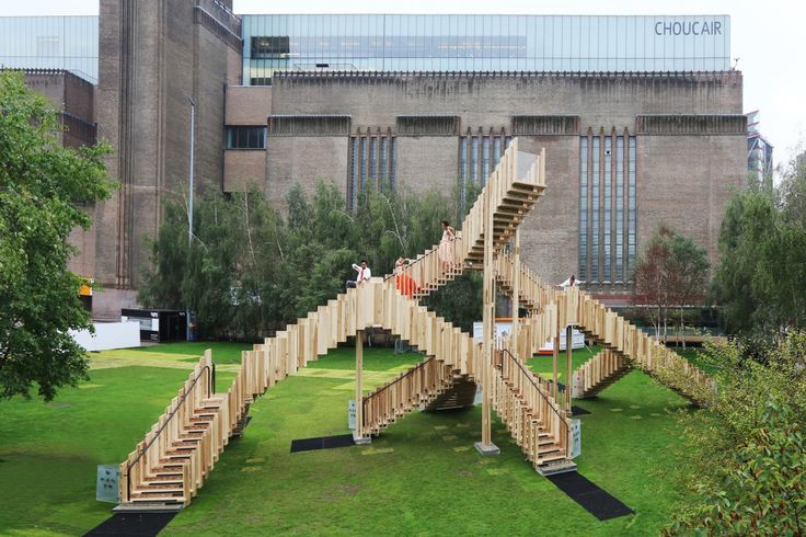 The Endless Stair is the second hardwood structure that AHEC (American Hardwood Export Council) has commissioned for the London Design Festival in collaboration with Arup.