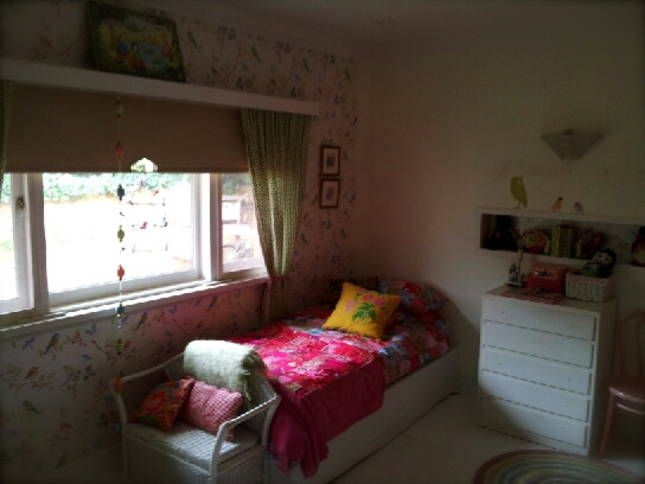 Villa Ovest Pretty in Pink Girls Bedroom