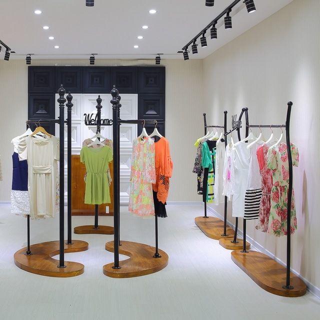 Hierro ropa perchero bastidores exhibición de la tienda para ropa colgada en rack ropa palabra plataforma de gama alta T515