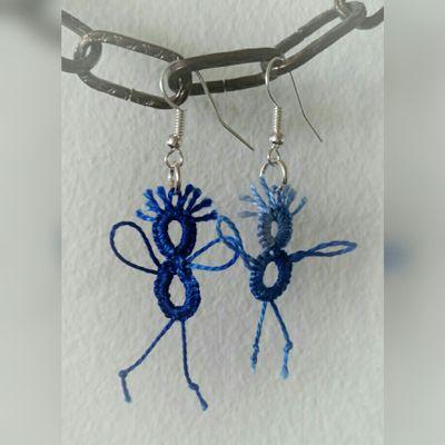 Hey-Man, blue -earrings, frivolité