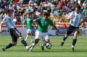 Bolivia vs Argentina En Vivo por Canal 7, Telefe y TyC Sports Eliminatorias 2013 de la Conmebol rumbo al Mundial Brasil 2014 juegan hoy Martes 26 de Marzo a partir de las 16:00hrs ET en el Estadio Hernando Siles, La Paz, Bolivia.