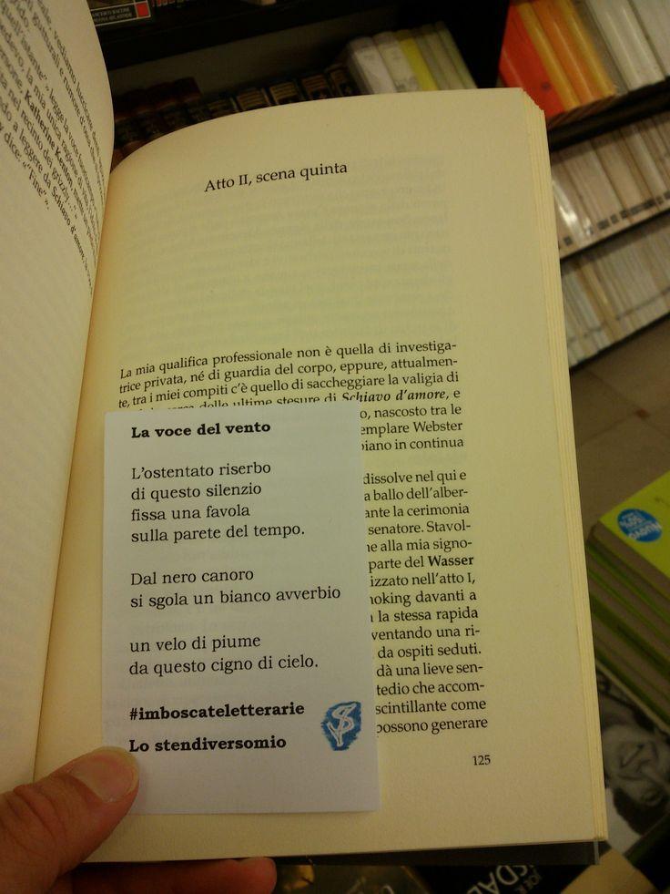 "Ecco una trentina di #imboscateletterarie al Libraccio di Parma in via Repubblica.  Nella foto tra le pagine di ""Senza veli"" di Chuck Palahniuk.  #libreria #poetry #parma #igers #igersitalia #igersparma #libri #errantpoetry #poesiaerrante #poesiadistrada #streetpoetry #poesia #words #surprize #imboscate"