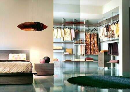 Do you live & breathe fashion? Mobilstella bedroom designs provide you with ample space to organise your wardrobe.