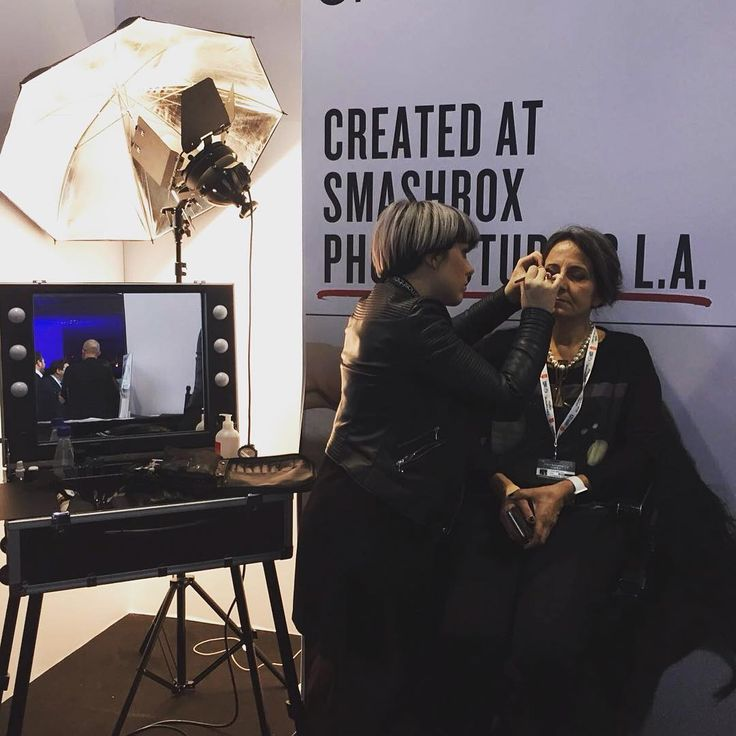 Cantoni for Sanremo at Palafiori Sanremo 2016. Brand Smashbox with make up case with lights VT101C. Lisa Brugin – National MUA Italia Smashbox. #cantonisanremo #cantonimakeupcase #lisabrugin #smashbox #nationalmuaitalia
