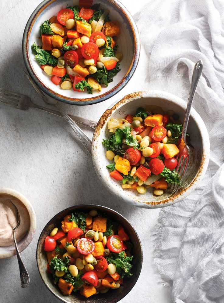 Recette de Ricardo de salade aux patates douces, aux fèves  de Lima, au kale et…
