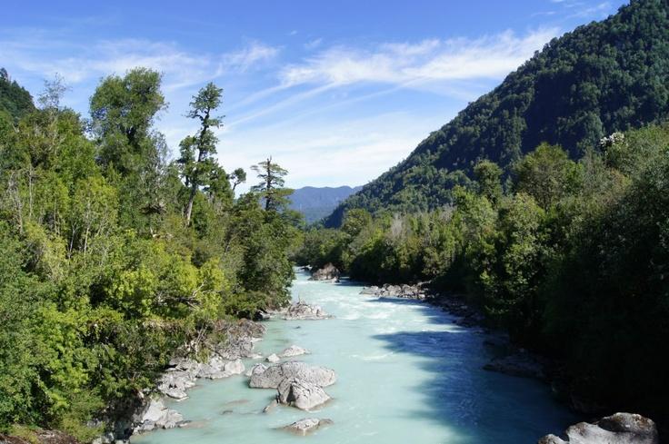 Río Blanco, Hornopiren, Chile.