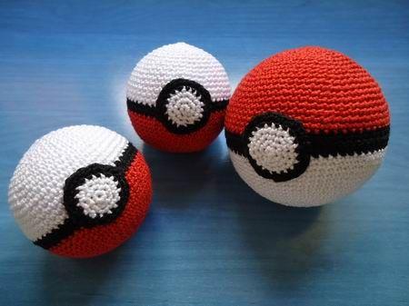 Patrón amigurumi gratis de bola de pokemon. Espero que os guste tanto como a mi…