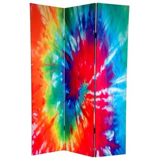 tie dye room divider** !!!!!!!!!!!!!!!!!!!!!! I want this so bad! i seriously. omgosh.