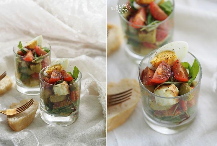 HAPPYFOOD - Картофельный салат с яйцами, черри, рукколой и оливками
