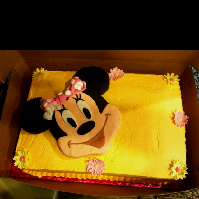 Minnie Mouse Birthday Cake The Sheet Cake Is A Whipped Frosting And