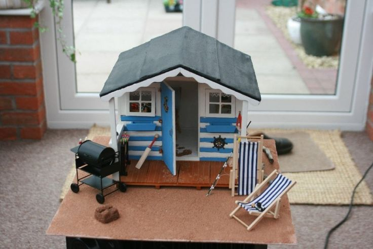 For Sale - 1/12 Scale Beach Hut - The Dolls House Exchange