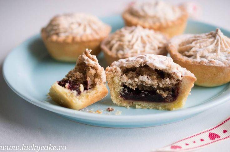 Jam and walnut meringue treats
