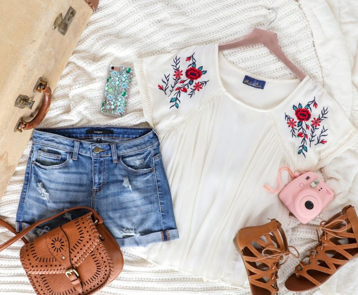 Nashville Packing Guide - Sightseeing Outfit