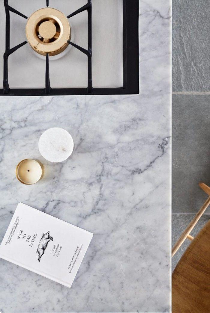 Jonas Lindvall gör kök i marmor för Ballingslöv | Residence