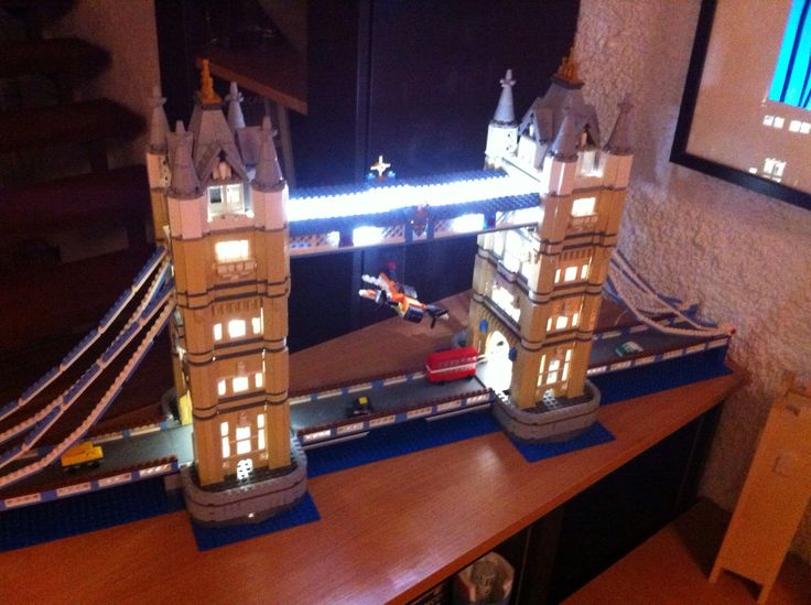 How to Put Light in Your LEGO Tower Bridge (Set 10214)