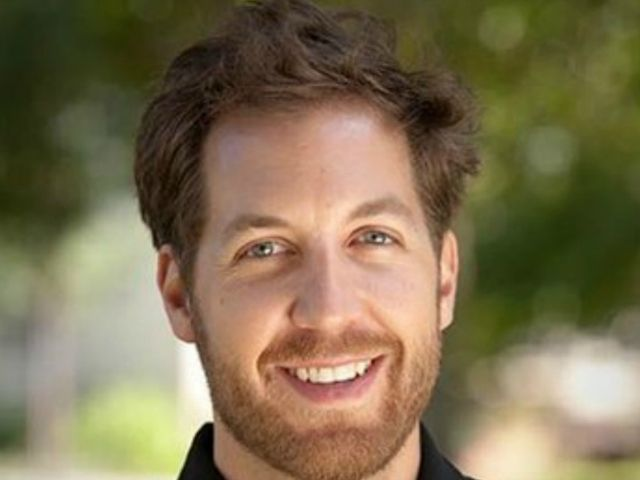 Investor Chris Sacca Is Ready to Show Twitter Some Tough Love http://recode.net/2015/05/21/investor-chris-sacca-is-ready-to-show-twitter-some-tough-love/