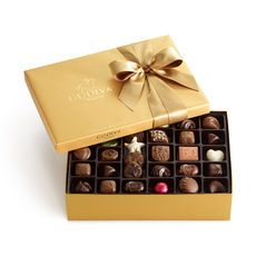 GODIVA Chocolatier | Gold Ballotin #oakridgestyleheist #inspiration