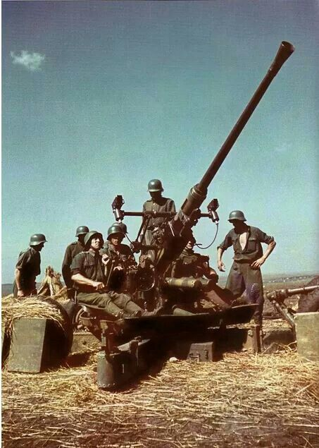 Hungarian 40mm Bofors gun, pin by Paolo Marzioli