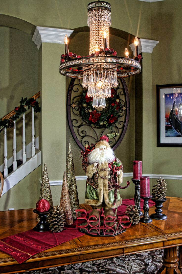 25 Unique Christmas Dining Rooms Ideas On Pinterest