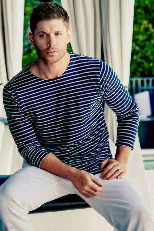 Jensen Ackles' photoshoot for Harper's Bazaar.  He is ridiculously beautiful <3