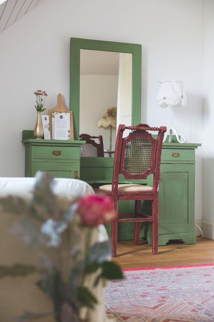 Green vintage dressing table