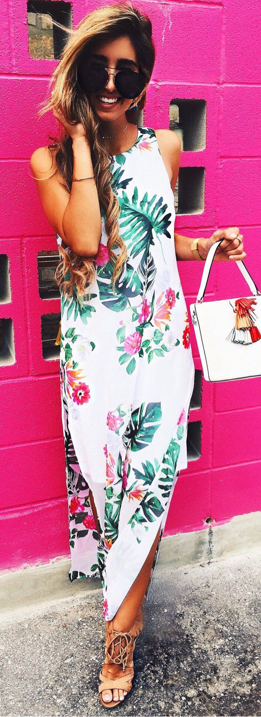 #summer #outfits  Happy Hour At @grizzeldas Was A Complete Success In This Little Palm Print Dress 😍🌴💗 I'm Obsessed;
