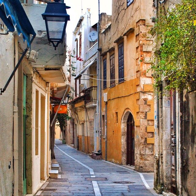In a small and beautiful street... #Rethymno Photo credits: @eskreta