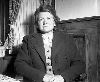 Paula Hitler was the sister of Adolf she was born 21 January 1896.