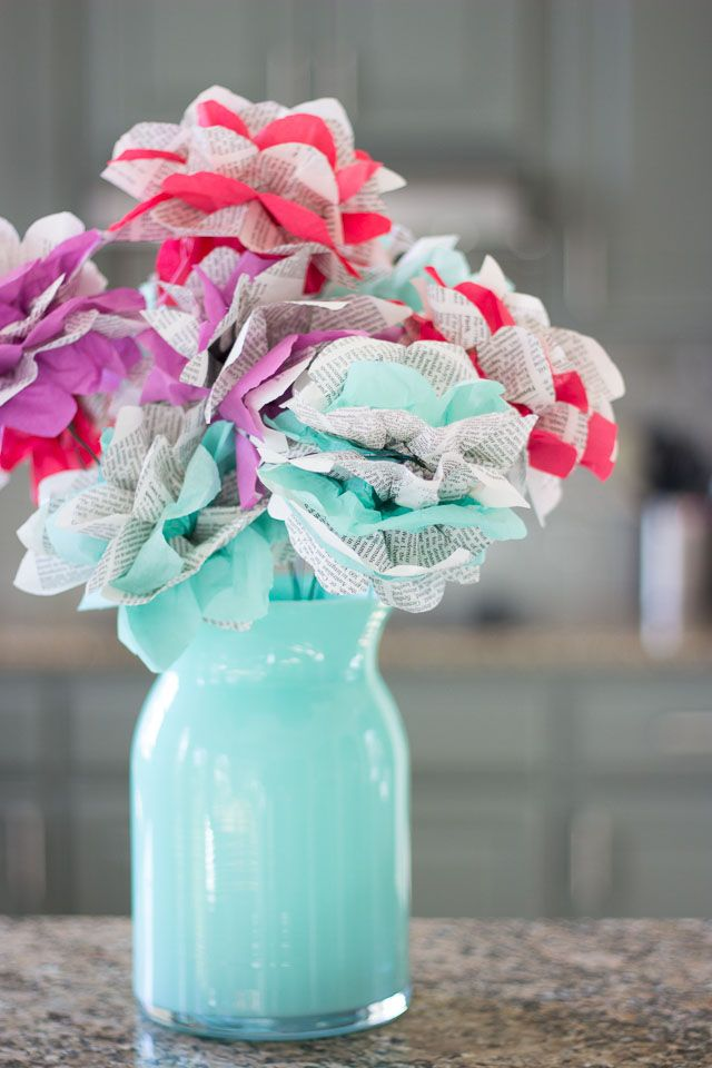 Turn old encyclopedia pages into these gorgeous flowers! | http://www.designimprovised.com