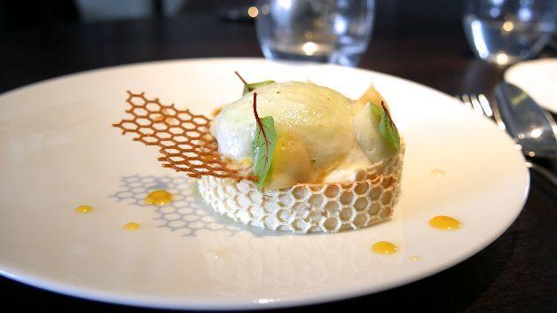 Table à Découvert | Alan Geaam, 19 rue Lauriston - Table à Découvert lait miel