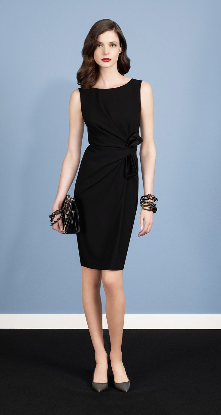 Sleeveless dress in satin-backed crepe. Non-removable bow. Draped at the waist. Back darts. Back zip fastening. Length: 58 cm. POSSIBLE KNOCK-OFF STARTING POINT: Vogue 1108 BV dress