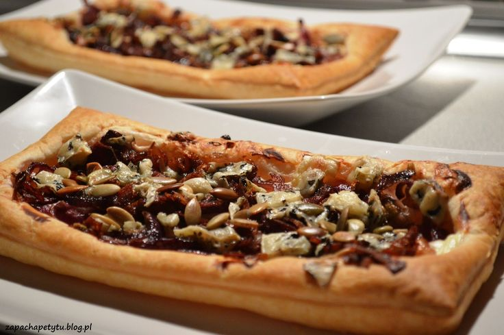 Red onion tart with blue cheese #zapachapetytu #redonion #tart #bluecheese