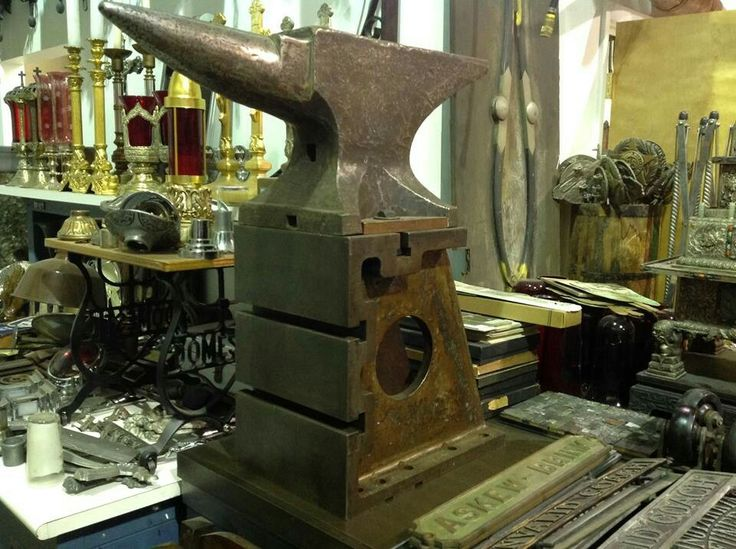 """247 lb. Peter Wright on a perfect fit milling machine """"Tombstone"""" stand."""