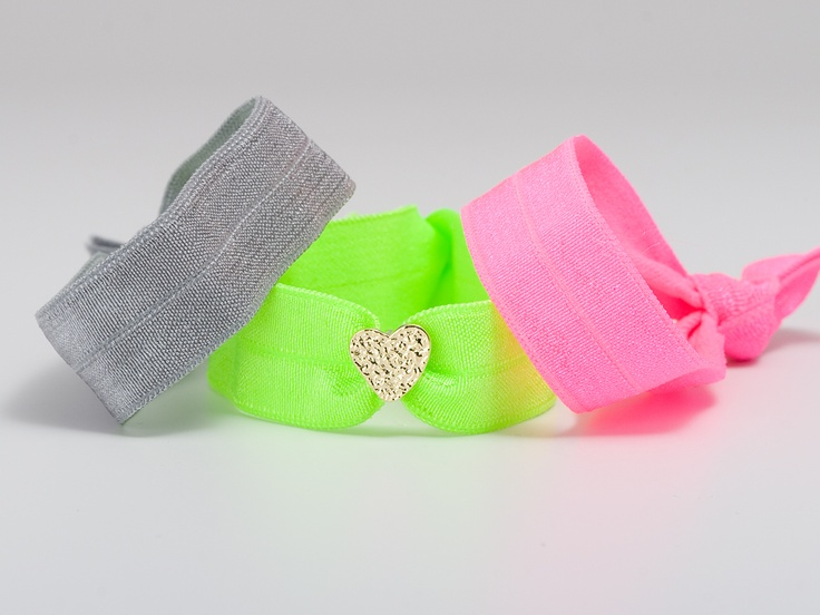 its like a pretty scrunchie