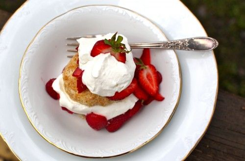 Honey Whole-Wheat Strawberry Shortcakes - send your hubby this link for Mother's Day.: Honey Cream, Honey Whipped, Cream Honey, Honey Strawberries, Desserts Sweets, Honey Sweetened, Cream Shortcake, Simple Bites, Honey Whole Wheat