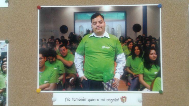 Colocaron mi foto del día que me gané un significativo premio en el periódico mural de UTP.
