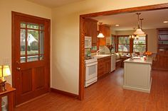 Can you tell me the wall paint color? It goes well with the honey oak trim - Houzz