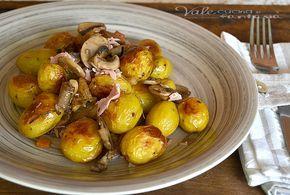 Patate novelle al forno con funghi e prosciutto cotto, buonissime e gustose, le patate novelle sono già buone di loro ma cucinate così sono molto sfiziose!