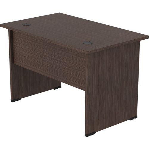 Столешница и опоры стола выполнена из ЛДСП толщиной 25 мм, кромка ПВХ 2 мм. Царга стола выполнены из ЛДСП толщиной 16 мм, кромка ПВХ 0,4 мм. На столешнице два отверстия под кабель-канал с пластиковыми заглушинами.