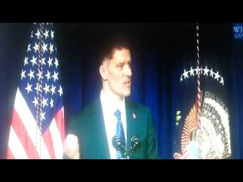 Watch Embarrassing moment Introducing The President at HIV Confrence