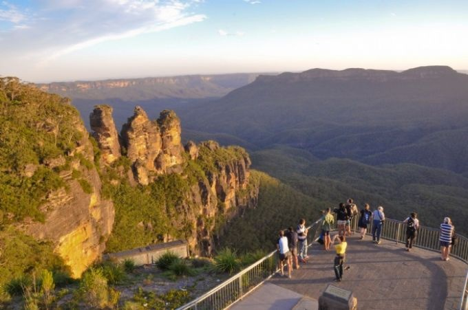 The Three Sisters -  Echo Point Katoomba - Blue Mountains Australia. Queen Elizabeth lookout has a great viewing platform. This lookout at Echo point is lower than the main roadside precinct and is reached by a sloping footpath. This website has good info and also videos with one interesting timelapse video of the Blue Mountains area.