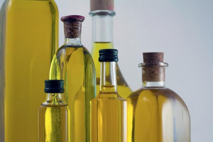 Extra light olive oil and sunflower oil are great options to use when you deep-fry foods. They have a high smoke point and heart-healthy unsaturated fats. Other good options include canola, safflower and peanut oils.