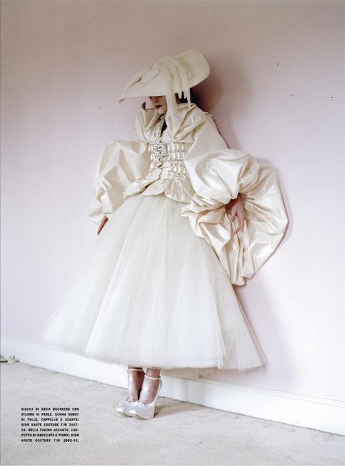 iambobbyy:    Dreaming of Another World. Tim Walker. Guineviere Van Seenus. Vogue Italia