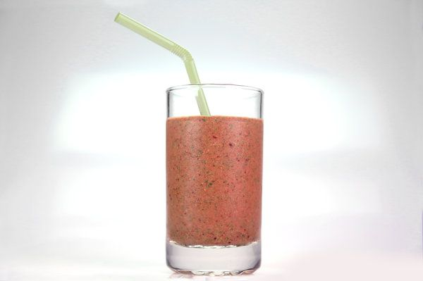 the chew | Recipe  | Daphne Oz's Preggers Smoothie 1/2 cup Frozen Banana1/3 cup Frozen Cherries1/4 cup Frozen Pineapple1/3 cup Yogurt2 teaspoons Almond Butter3 Kale Leaves (stemmed and chopped)1 tablespoon Flax Seeds2 tablespoons Lime Juice3/4 cup Apple Cider