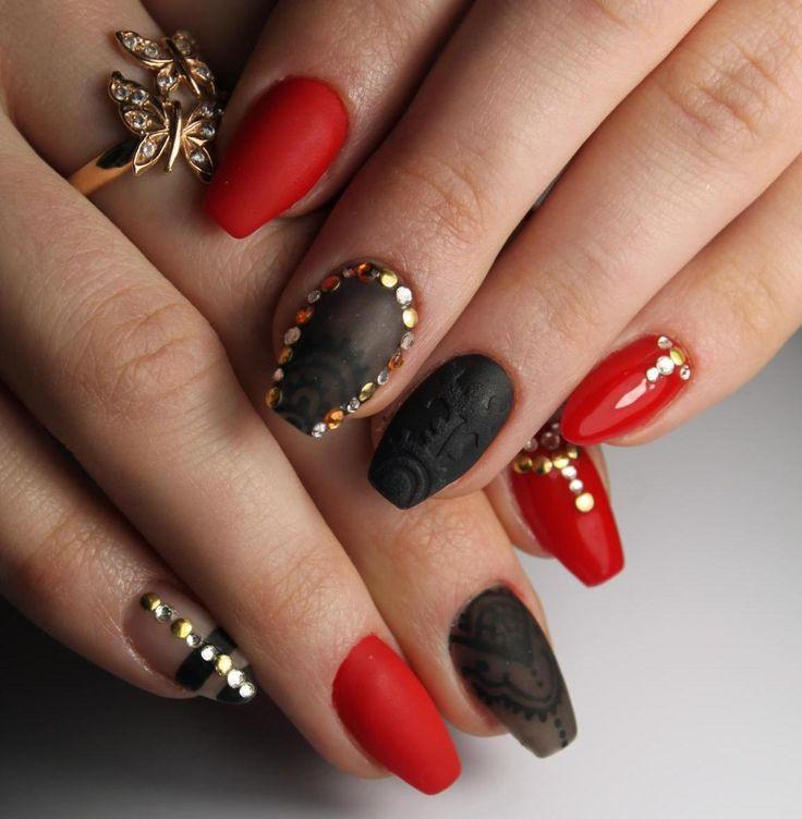 Актуальный дизайн ногтей и фото красного маникюра для праздничных и деловых мероприятий. Красный маникюр-красивый, модный, нарядный дизайн ногтей