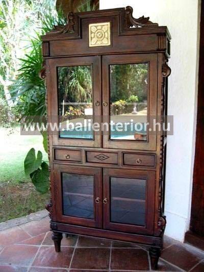 Teakfa tálaló vitrinszekrény Baliról