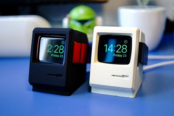 "Chytrá dokovacia stanica v podobe ""Macintosh"" s hodinami Apple Watch"