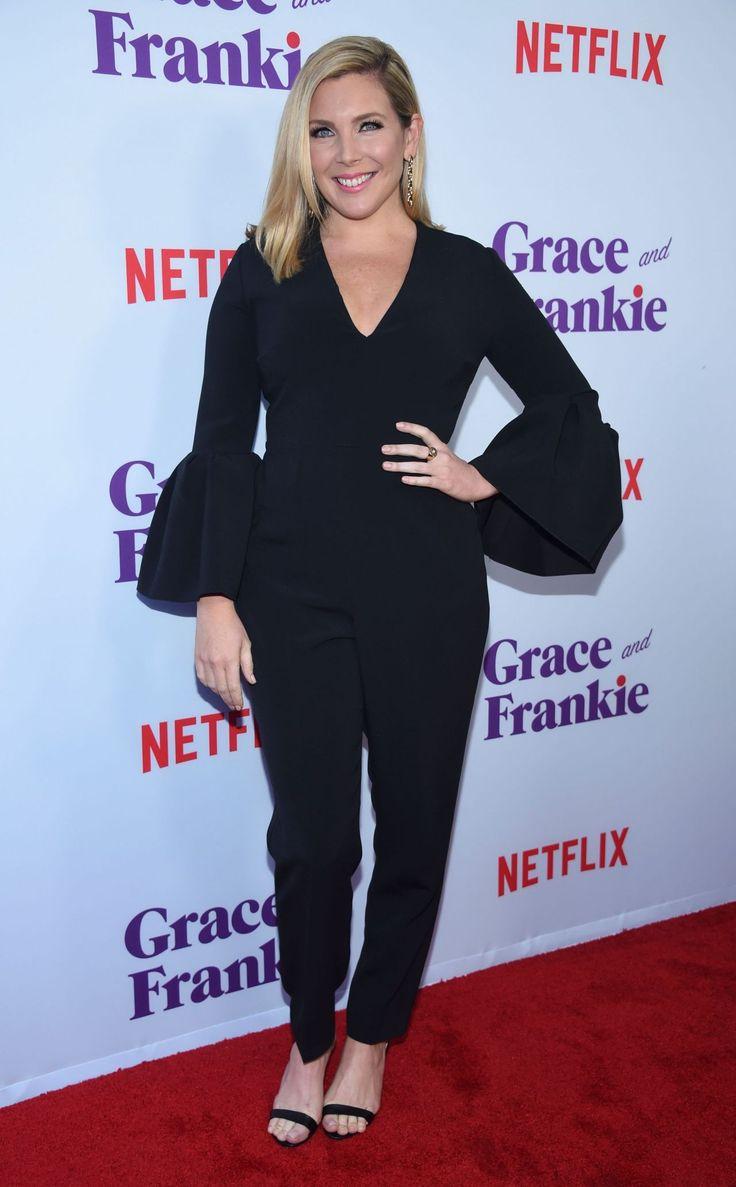 June Diane Raphael  #JuneDianeRaphael Grace and Frankie Season 3 Premiere in Los Angeles 22/03/2017 Celebstills June Diane Raphael