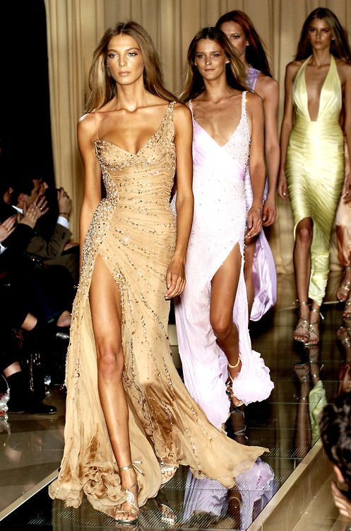 #models: Long Dresses, Evening Dresses, Maxi Dresses, Gold Dresses, Gorgeous Gowns, Beautiful Dresses, Gorgeous Dresses, The Dresses, Daria Werbowy