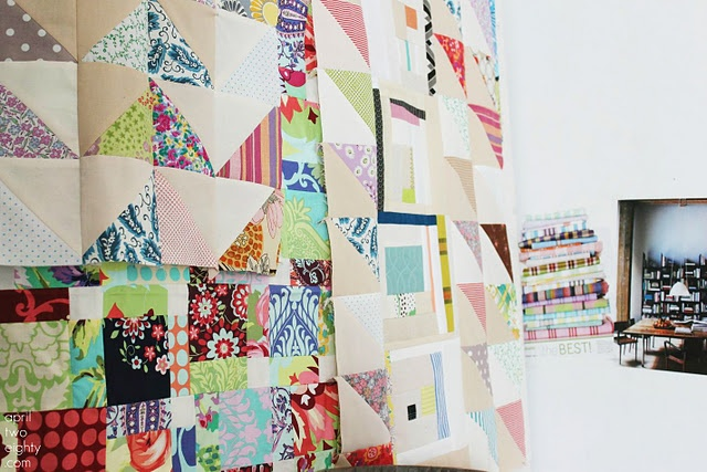 I love the mismatched neutrals for the other half of the HSTs: Quiltsand Things